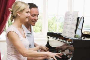 play the piano, piano lessons